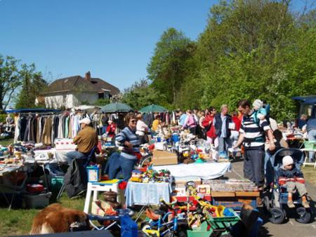 Schönes Jubiläum: 25 Jahre Flohmarkt beim Jugendzentrum in Bredstedt