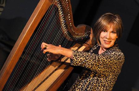Harfenkonzert mit  Hilary O'Neill in Kotzenbüll