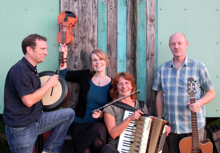 Konzert mit der Monadreen-Band in Ostenfeld