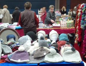 Weihnachtlicher Flohmarkt in der Messehalle Husum