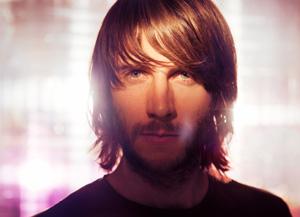 Maximilian Hecker auf Mirage Of Bliss Tour im Speicher Husum