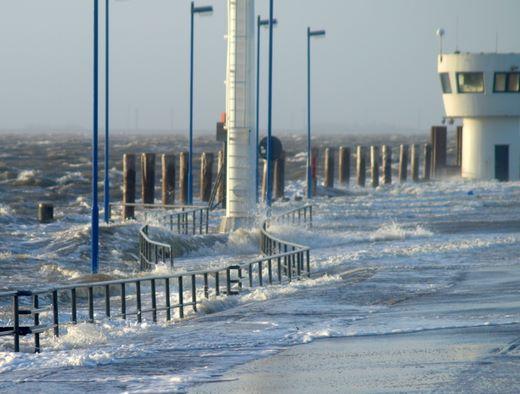 Sturmflut an der Westküste glimpflich verlaufen