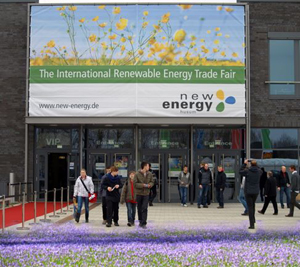 New Energy Husum 2013: Trotz Schnee ein Hauch Krokusblütenfest