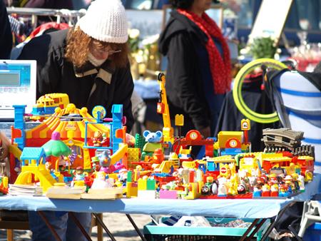 Bilder vom Flohmarkt in Bredstedt – endlich ist es sonnig