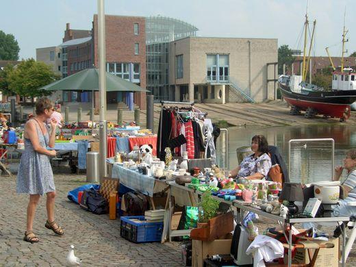 Fotos vom Hafenflohmarkt und dem Neustadtstrassenfest – Senf 30 Cent