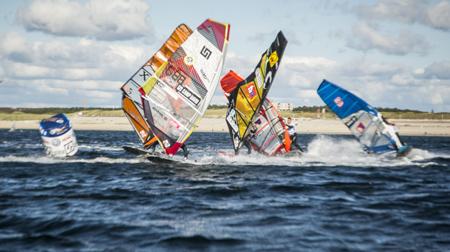 Gunnar Asmussen – Flensburger beendet erste Wettfahrt beim GP Joule Windsurf World Cup Sylt als Neunter