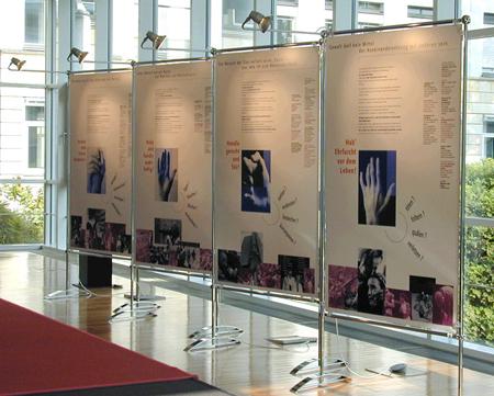 """Breklum – Christian Jensen Kolleg zeigt Ausstellung """"Weltreligionen – Weltfrieden – Weltethos"""""""