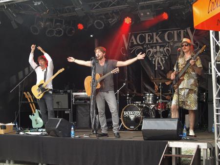 Für den 3. Bredstedter OpenAir Sommer gesucht: Musiker und Sponsoren