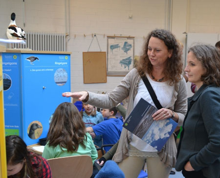 Bildungsministerin Wende eröffnete die Wanderwerkstatt Vögel im Nationalpark Wattenmeer