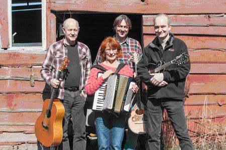 Folk mit Sixe Mile Bridge im Frühlings Cafe Joldelund