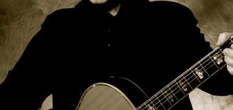 Song-Veteran John Prine live beim Tønder-Festival