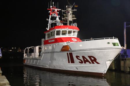 Neuer Seenotrettungskreuzer für Amrum hat nun Wasser unter´m Kiel