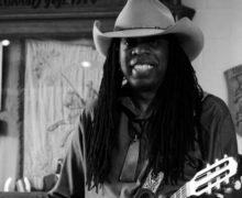 Fotos vom Auftritt US-Grammy Gitarristen Larry Mitchell in Almdorf