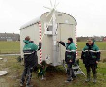 Bauwagen der LKN.SH Wasserbauer nutzt Windenergie