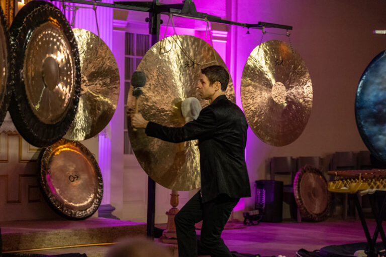 THE BIG GONG – Gongkonzert mit Peter Heeren  in Bordelum